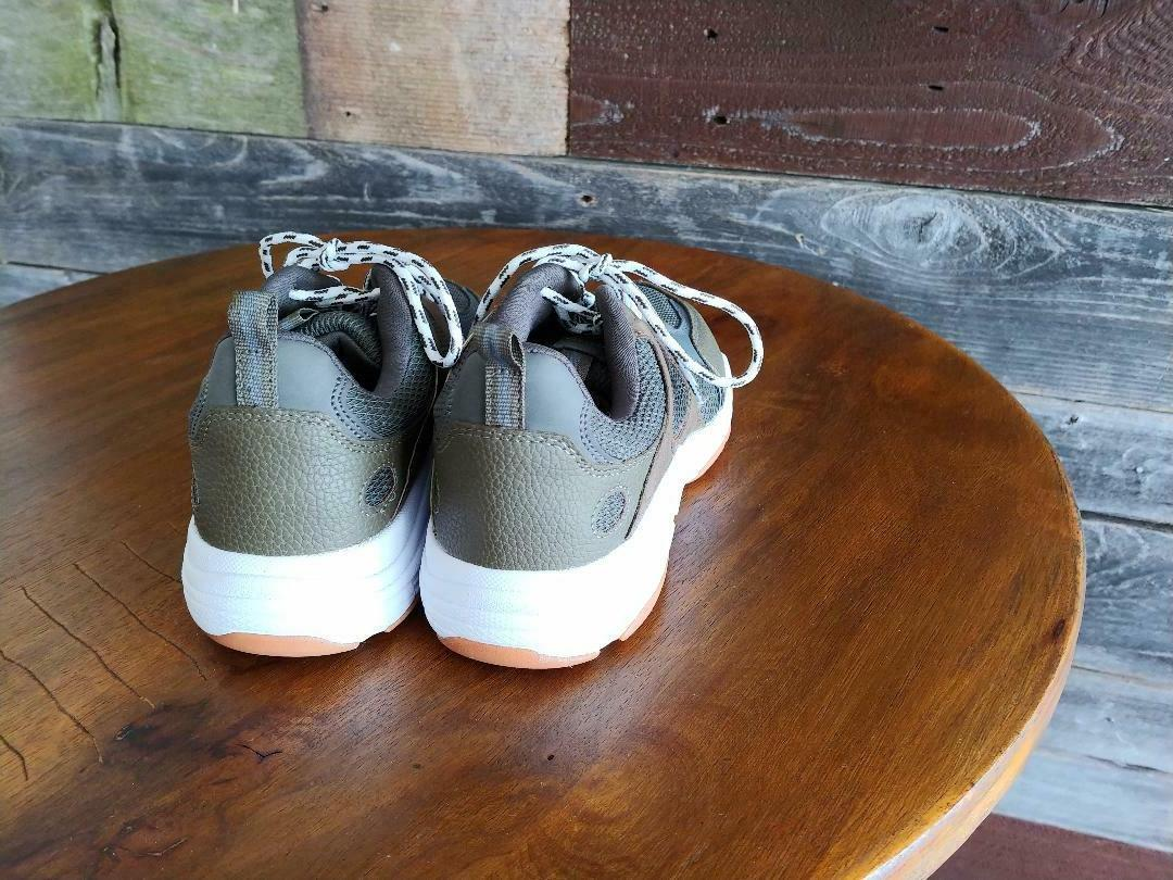 boys size 4 tennis shoes olive brown