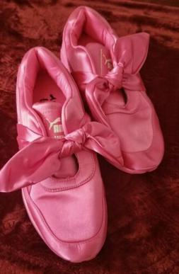 ladies pink tennis shoes size 7 5