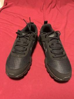 under armour Size 10 1/2 Black Tennis shoes