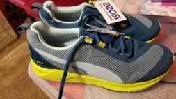 Puma tennis shoes women Size 8.5