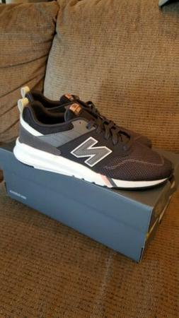 WOMEN'S sz6.5 WIDE NEW BALANCE LIFESTYLE TENNIS SHOE GRAY RU