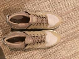Women's new balance tennis shoes size 9 nude